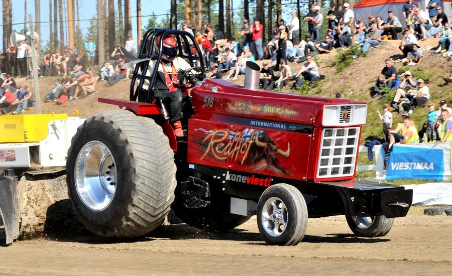 Super Pro Stock Pulling Tractor : Tractor pulling news pullingworld pictures from