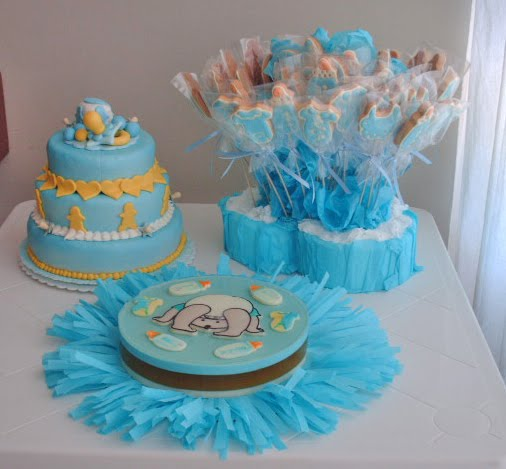 ... torta, gelatina y galletas decoradas con motivo de baby shower