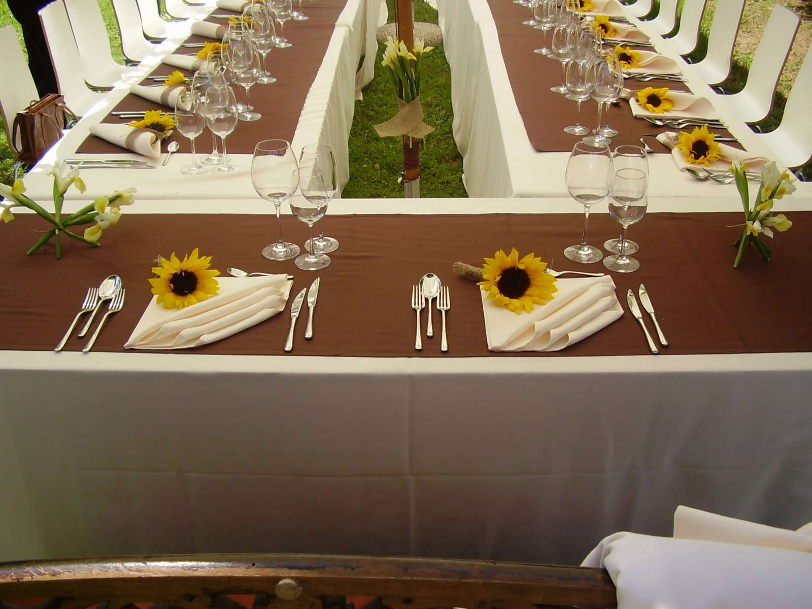 Tavolo Matrimonio Girasoli : Tutti insieme appasionatamente atmospherae fine catering