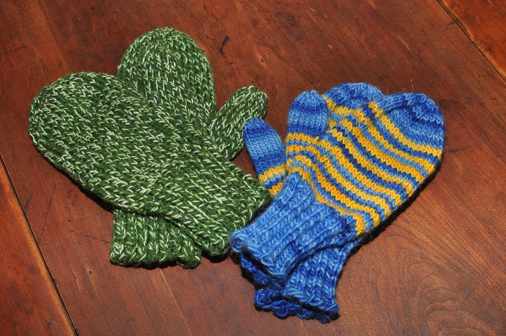 Knitting Pattern For Gloves On Four Needles : Two Left Feet: how to knit a mitten, part 1: the cuff