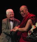 Beck e Dalai Lama - Congresso Internacional de Psicoterapia Cognitiva, na Suécia - 2005.