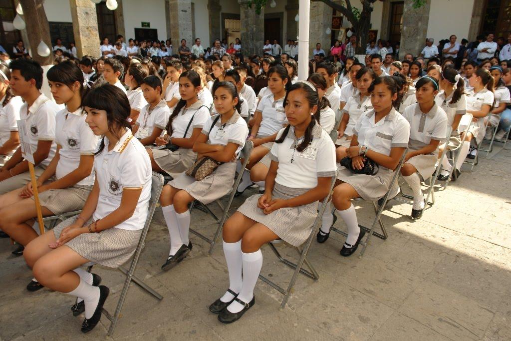 En este encuentro participan 50 escuelas secundarias técnicas, que ...