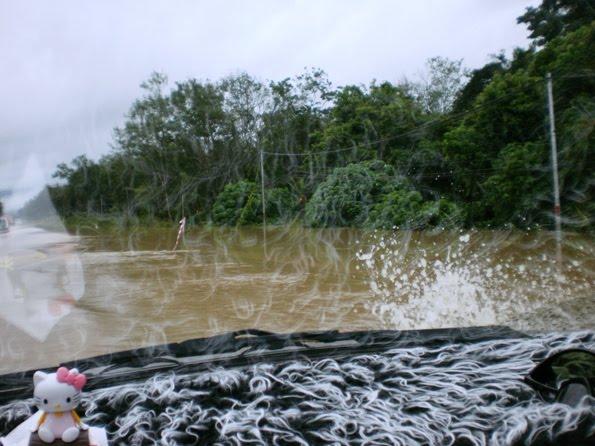 [banjir+4.JPG]
