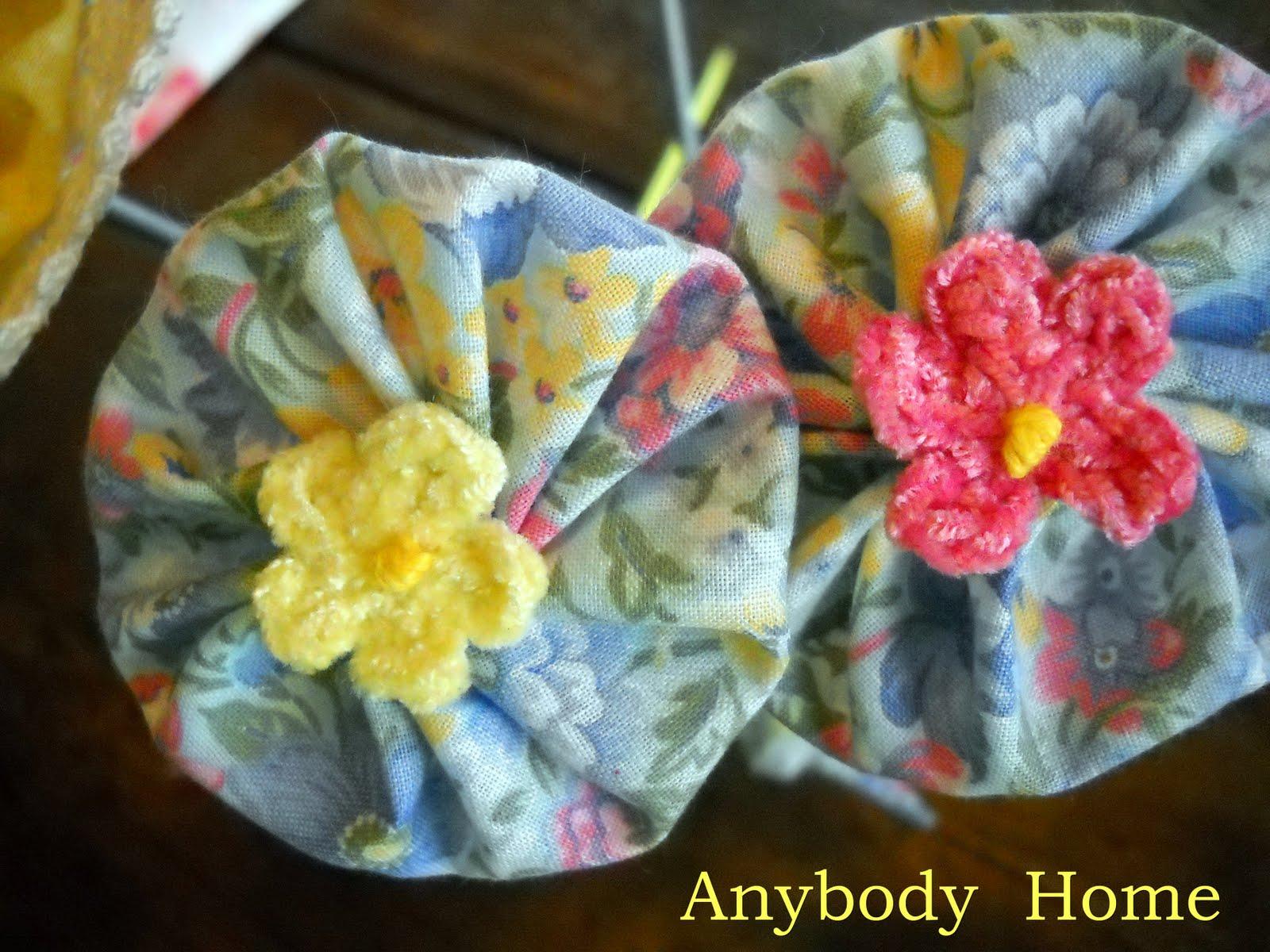 Anybody Home: Knitting Needle Yo-Yo Flower Bouquet