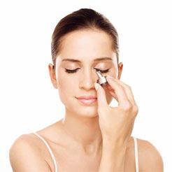 Fazer maquiagem nos olhos