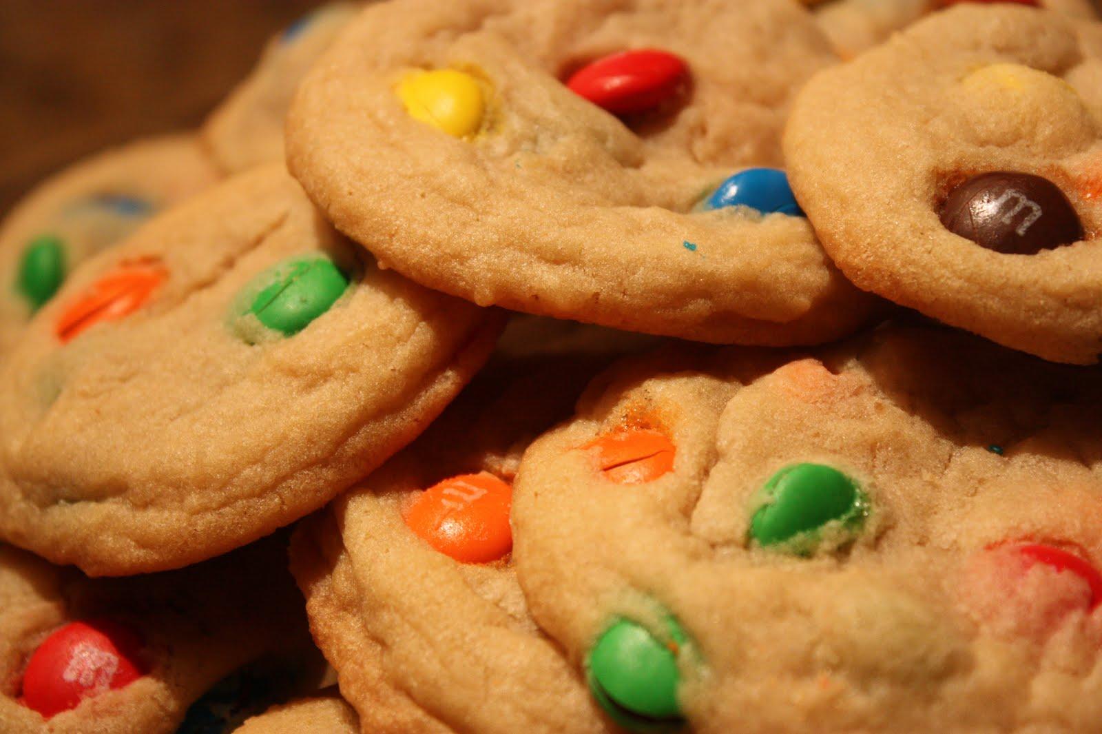 Home is Where My Story Begins: M&M Cookies Mmmmmm...