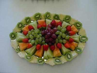 أكبر ملف لأروع و أجمل و أحدث الطرق لتقديم و تزيين الفواكه (الديسير) platter3.bmp.jpg