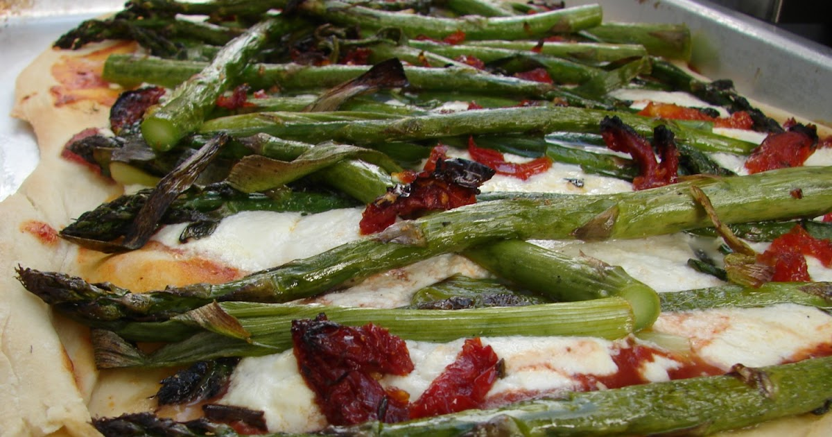 Cathie Cooks Food: Asparagus, Sun Dried Tomato and Ricotta Pizza