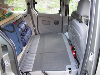 l 39 europe du nord en kangoo comment transformer un kangoo en campervan. Black Bedroom Furniture Sets. Home Design Ideas