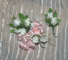 Design your own wedding flowers