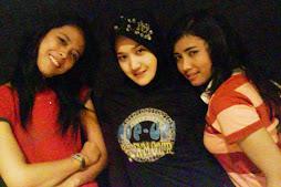 Look...We ar Gabores sisters