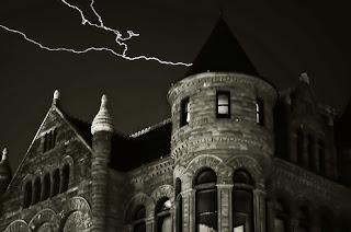oooh spooky