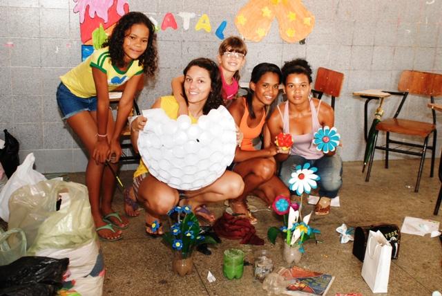 Fotografia univali ilha capelenses fazem objetos for Objetos decorativos para oficina