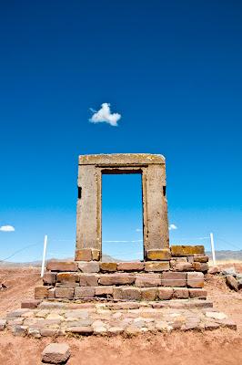 Remontando el vuelo tiwanaku for Puerta 7 luna park
