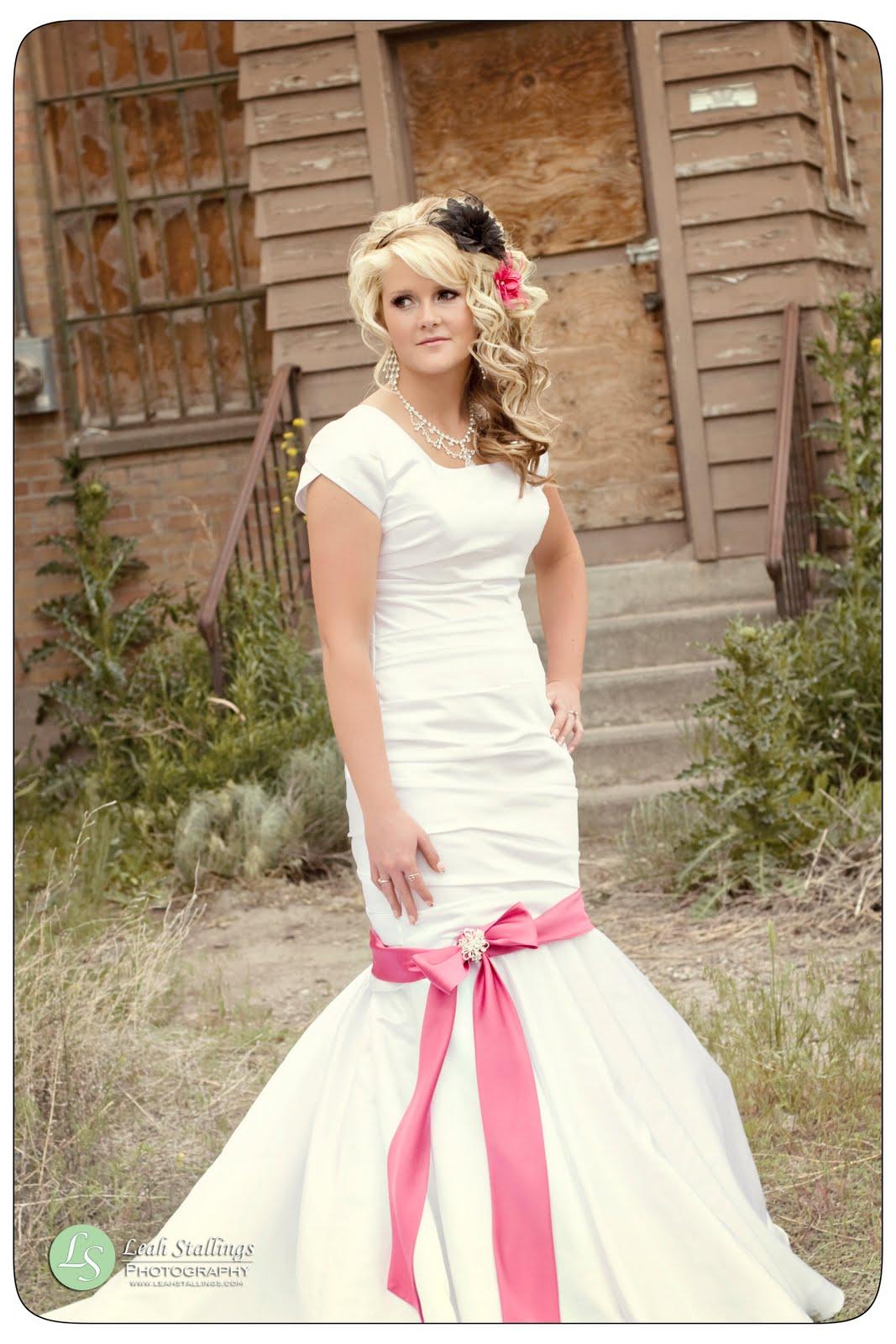Leah stallings artistic portraiture dress reheasal idaho for Wedding dresses idaho falls