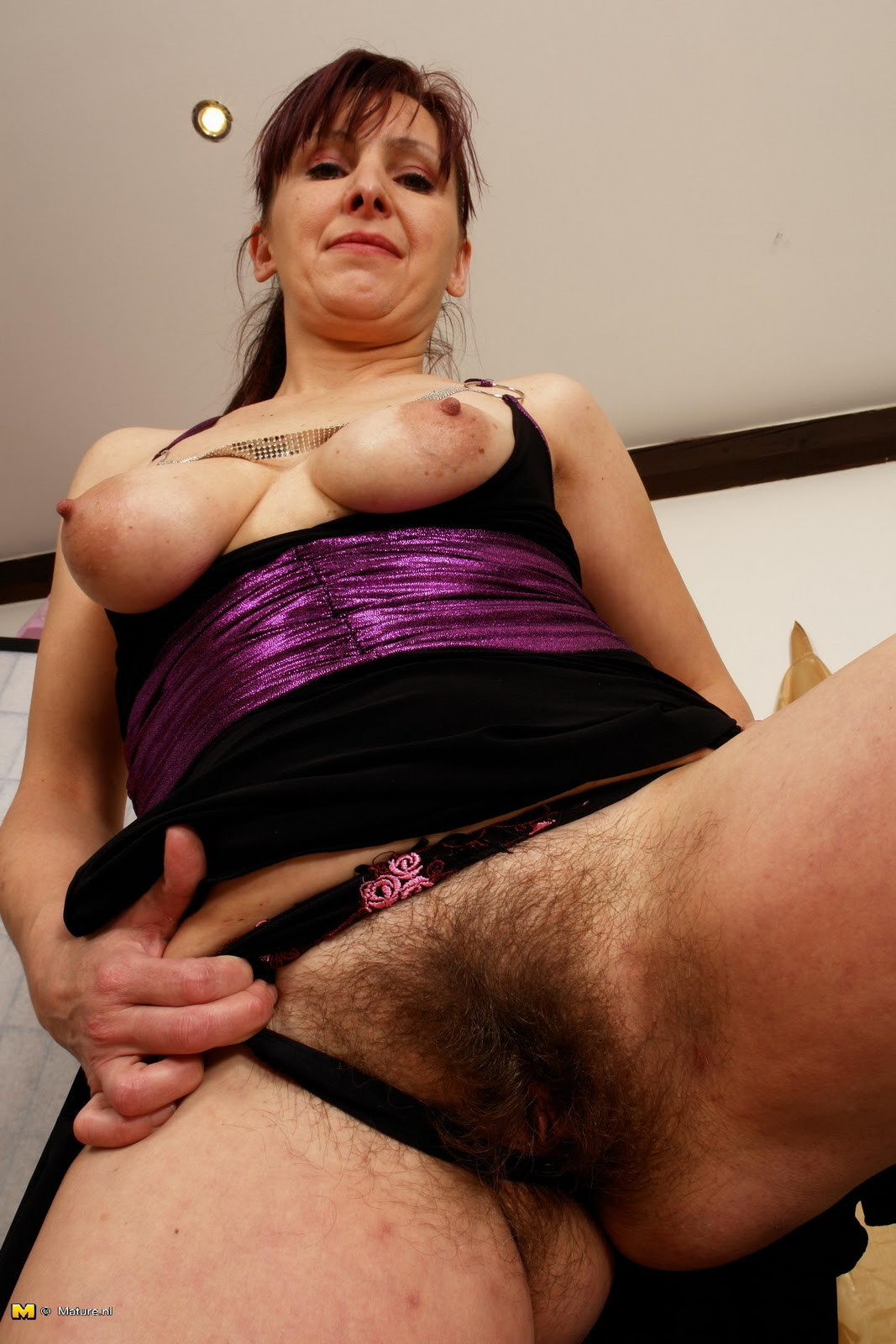 Action, Amature hairy dildo mało jebania