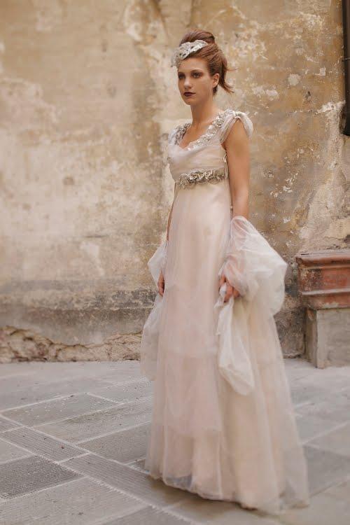 ameliste bodas: vestidos de novia 2011 por un diseñador italiano.
