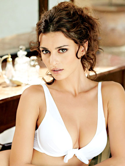Romanian Hot Celebrity Catrinel Menghia Sexy Photos amp Biography hot images