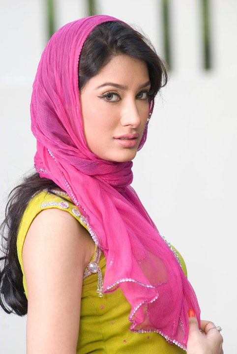 Pakistani Hot Celebrity Mehwish Hayat Sexy Photos Wallpapers Pics Pictures amp Biography cleavage