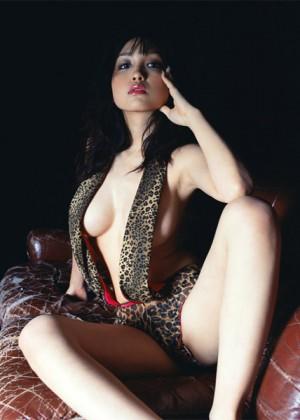 Japanese Model Reon Kadena (かでなれおん) Hot Photos & Profile