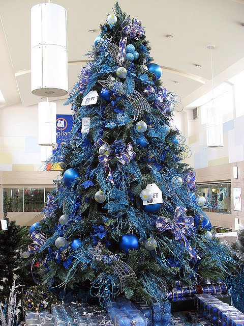 blue and silver decorated christmas tree christmas decor styles blue silver christmas tree decorations christmas tree theme blue and silver hitez - Blue And Silver Christmas Tree