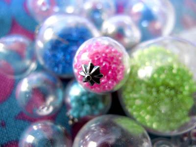 Bubble Gum Glass Necklace