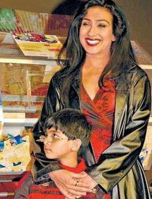 RITUPARNA SENGUPTA WITH HER SON
