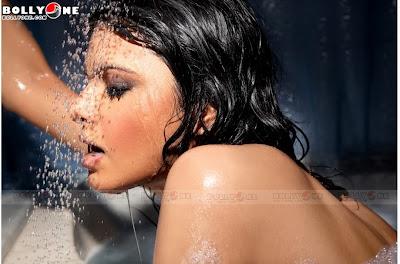 sherlyn chopra website offers her uncensored videos