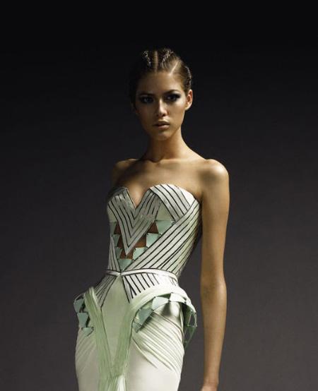 [Atelier+Versace+Fall+2009+17.jpg]