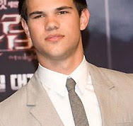 In or Out: Taylor Lautner