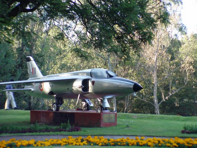 "HAL Gnat ""39"" at Lawrence School"