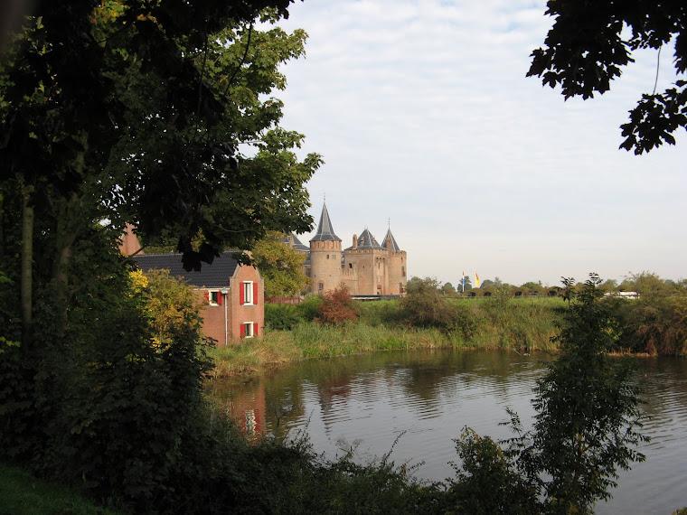 Precioso entorno del castillo de Muiden