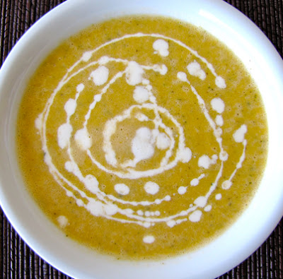Scrumpdillyicious: Curried Apple Zucchini Soup