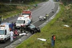 Choque dos automóviles deja nueve muertos hoy en la autopista Duarte