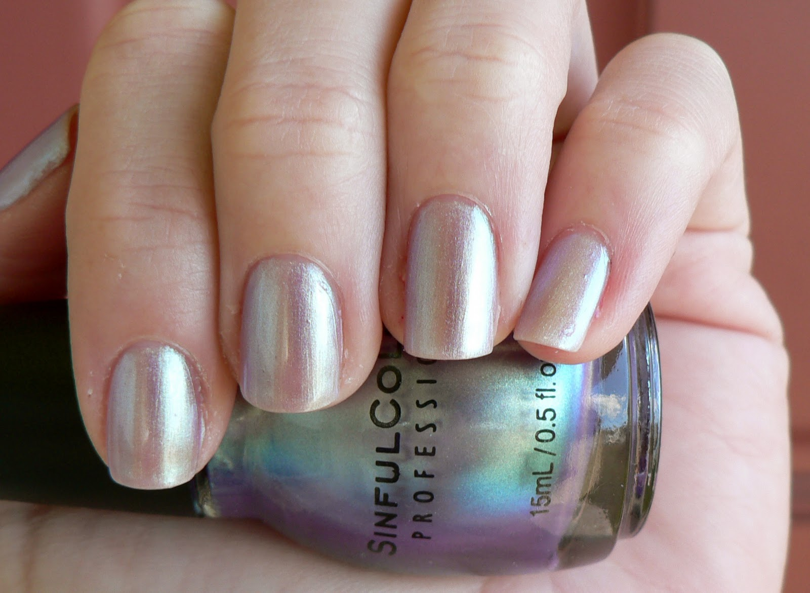 see the awesomeness in the bottle i wish it wouldve translated to the nail better - Vernis Sinful Colors