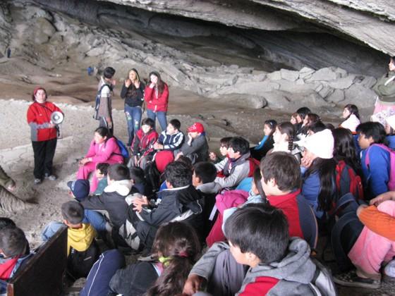 En la Cueva del MILODÓN