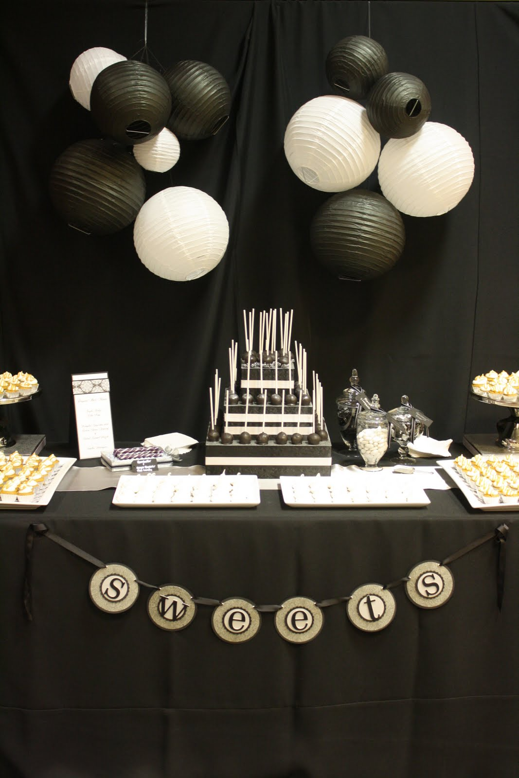 Meringue Black And White Dessert Bar