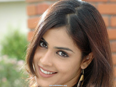 genelia d souza wallpapers. Genelia D#39;souza New wallpapers