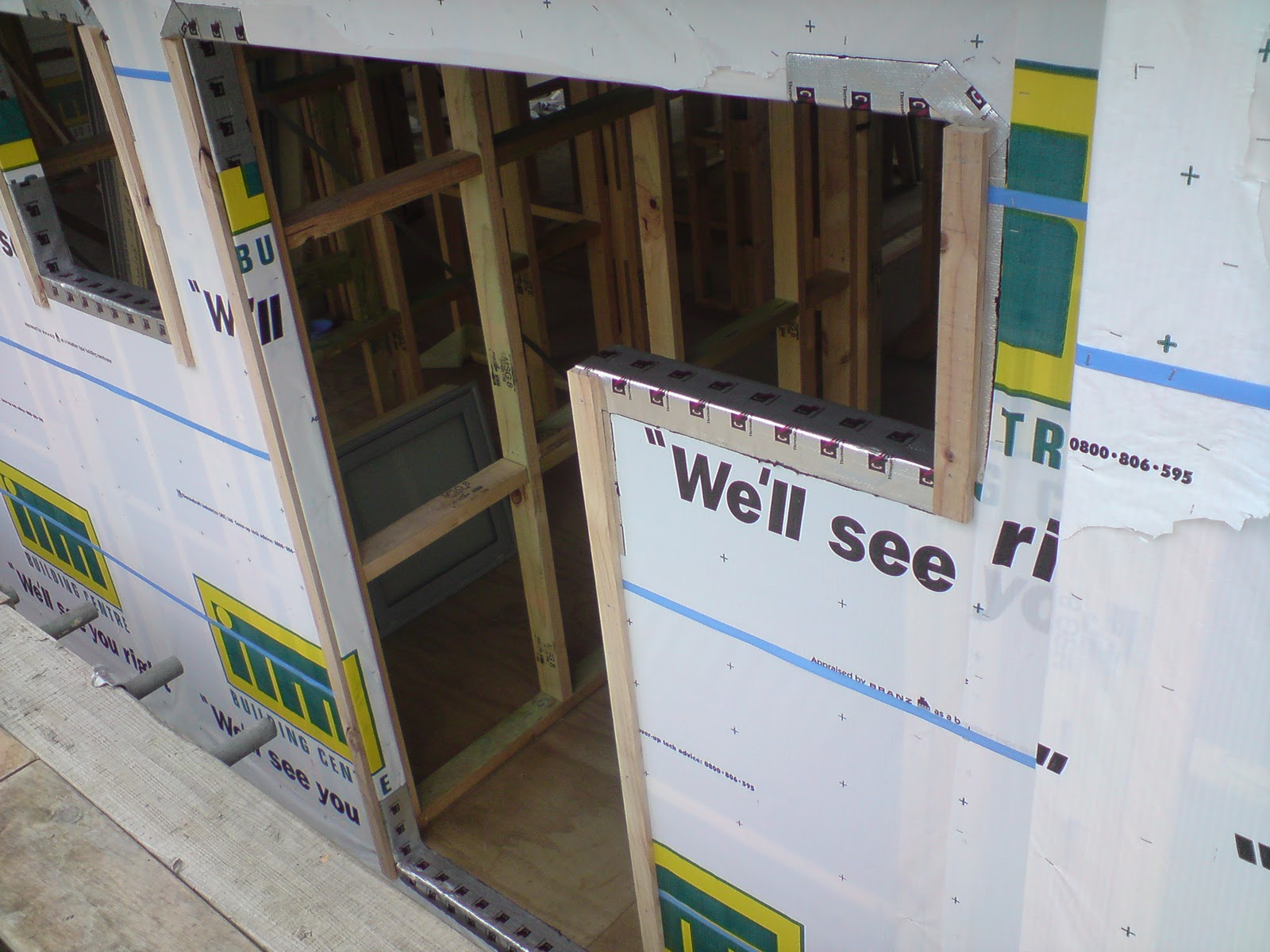 Andrews blog wrapping house and fitting windows and doors - The house with protruding windows ...