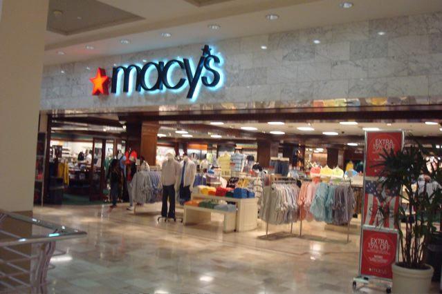Macy's Dikecam Usai Umumkan Jualan Busana Muslim