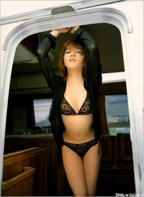 http://1.bp.blogspot.com/_Fc4ZU811BKs/RqJC5E9M2EI/AAAAAAAAAGo/ye3maOSukO4/s400/jap-girl2.jpg