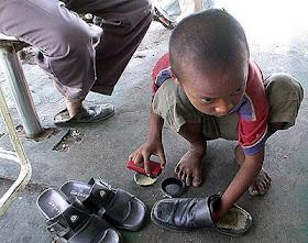kecil-menyemir_sepatu.jpg