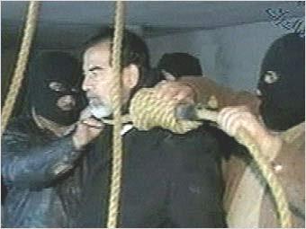 O enforcamento de Saddam / El País