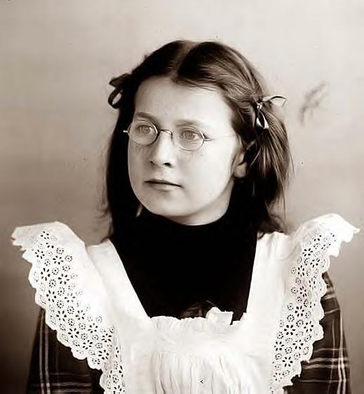 Helen Wright, 1901