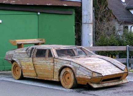 A wooden DeLorien, Ok!