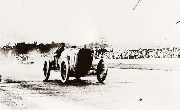 Goux wins Indianapolis 500 in 1913