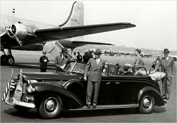 Harry Truman in FDR's 1939 Lincoln V-12 engine limo