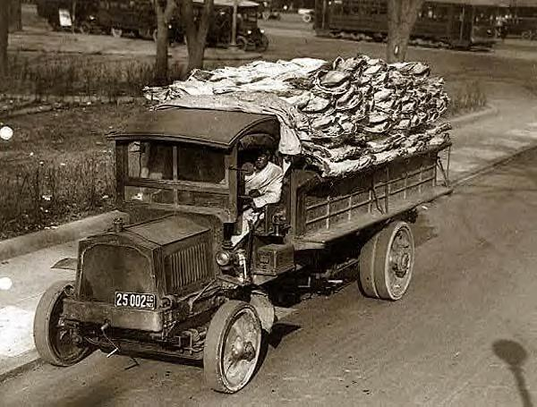 Truck load of beef delivery to Central Market, Washington DC, 1923