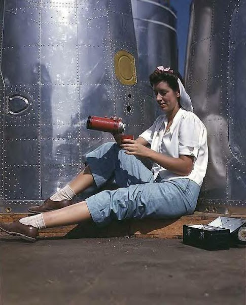 Girl at lunch, Douglas Aircraft Co., Long Beach, Ca., 1942