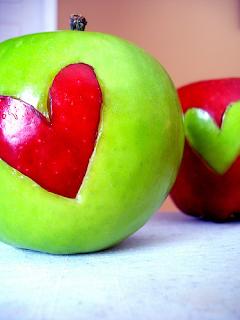 http://1.bp.blogspot.com/_Ffja5A7i53k/TUi9wLli0LI/AAAAAAAAGTw/Ctz7QkbACUs/s320/heart+apples.png